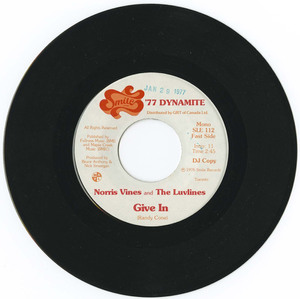 45 norris vines and the luvlines   give in %28smile records sle 112%29 vinyl 02