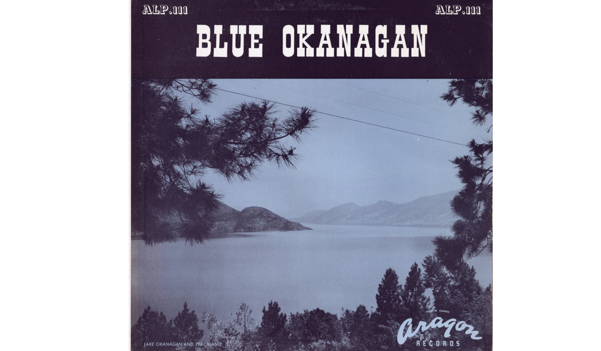 Blue okanagan front carroussel 01